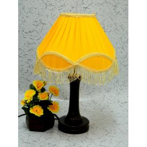 Tucasa Fashionable Wooden Table Lamp with Yellow Lace Shade, LG-1025