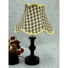 Tucasa Fabulous Wooden Table Lamp with Check Jute Shade, LG-1031