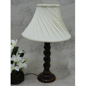 Tucasa Elegant Wooden Table Lamp with Off White Shade, LG-809