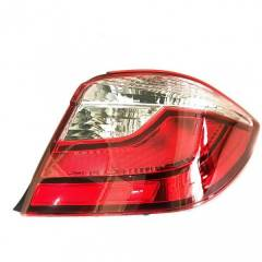 Autogold Right Hand Tail Lamp Assembly For Honda Amaze Type 2, AG471