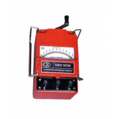 CIE 222M Five Range Hand Driven Three Terminal Generator Type Earth Tester, Resistance Range: 0-1/10/100/1000/10000 Ω