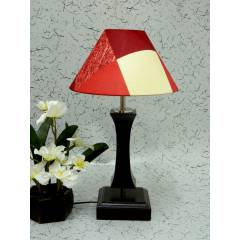 Tucasa Flamingo Wooden Table Lamp with Red Check Shade, LG-994