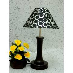 Tucasa Fashionable Wooden Table Lamp with Black Circle Shade, LG-1004